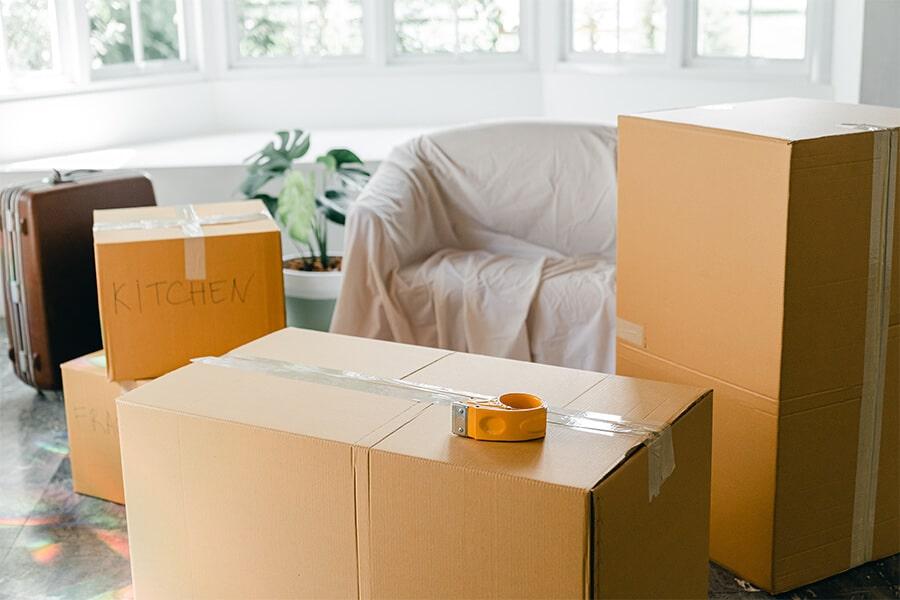 Haushaltsauflösung Berlin - Wohnungsauflösung Berlin - Entrümpler in Berlin - Transport Kartons Couch