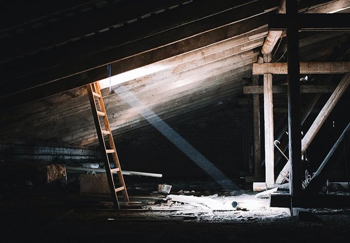 Dachbodenauflösung Berlin - Dachboden Entrümpelung Berlin - Sperrmüll123 Berlin - Dachboden räumen lassen